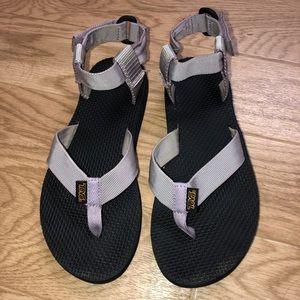 teva sandal - size 5